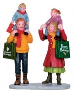 Семья с Рождественскими покупками 7*9*3,2 см. арт. o-22022