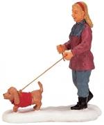 Дама гуляет с собачкой 6,2*6,5*3 см