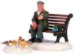 Кормление голубей,набор из 2х фигур, 11*6*4,7 см. арт. o-42905